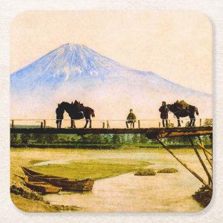 Männer und Pferde auf Brücke unter dem Fujisan Rechteckiger Pappuntersetzer