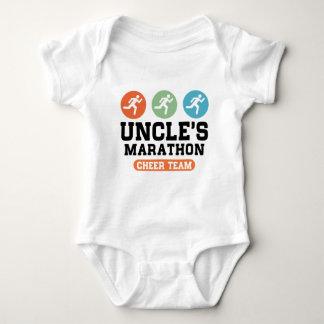 Marathon Cheer Team Onkels Baby Strampler