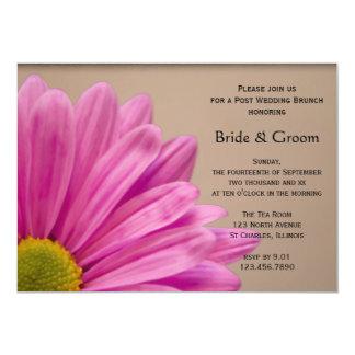 Marguerite rose sur le brunch bronzage de mariage carton d'invitation  12,7 cm x 17,78 cm