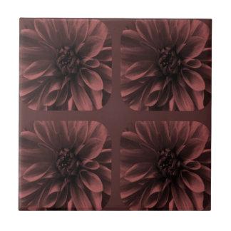 Marsala Collagen-Dahlie-Blumen-Muster Keramikfliese