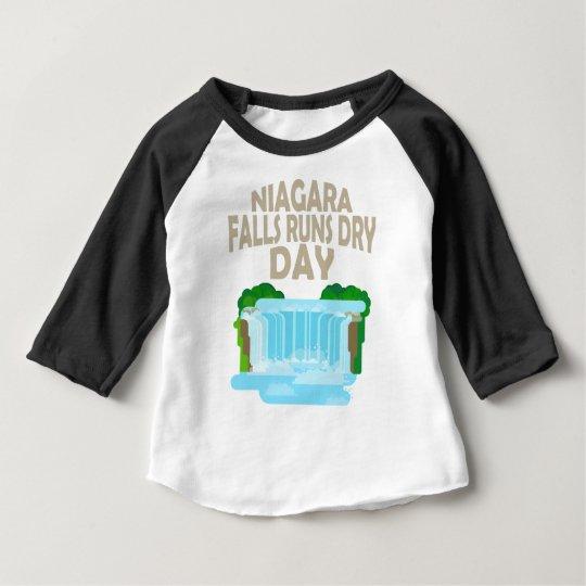 März neunundzwanzigster - Niagara Falls lässt Baby T-shirt