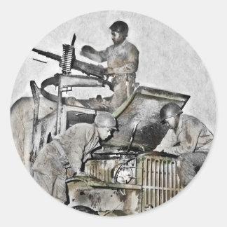 Mechaniker, die an LKW WWII arbeiten Runder Aufkleber
