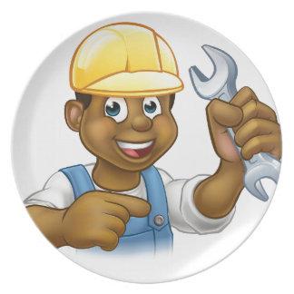 Mechaniker oder Klempner mit Schlüssel-Cartoon Melaminteller