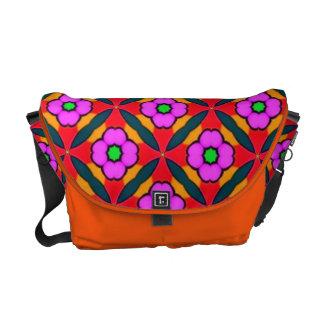 MED. Rickshaw-Bote-Tasche mit lila Blumen Kuriertasche