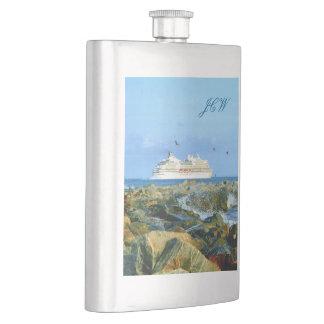 Meerblick mit dem Kreuzfahrt-Schiff mit Monogramm Flachmann