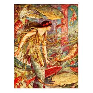 Meerjungfrau, die ihre Krone erwartet Postkarte