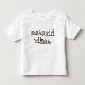 Meerjungfrau-Schwingungens-buntes Aquarell Kleinkind T-shirt