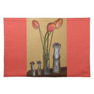 Meerkat Mamma u. Kinder und Tulpen Tischset