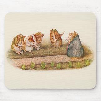 Meerschweinchen, die den Garten illustriert neigen Mousepad