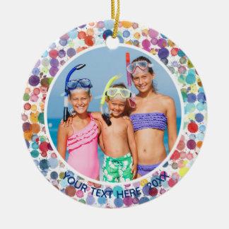 Mehrfarbenwatercolor-Spritzer-Punkte, Foto zwei Keramik Ornament
