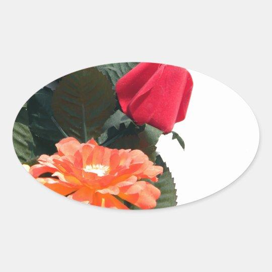 Mehrfarbige Blumen Ovaler Aufkleber