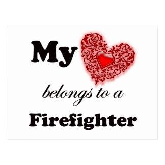 Mein Herz gehört einem Feuerwehrmann Postkarte