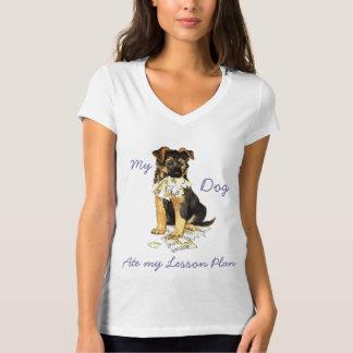 Mein Schäferhund aß meinen Unterrichtsplan T-Shirt