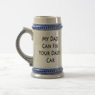 Mein Vati kann das Auto Ihres Vatis reparieren Bierglas