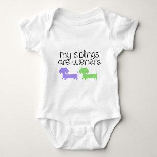 Meine Geschwister sind Dackeln | der Entwurf mit 2 Baby Strampler