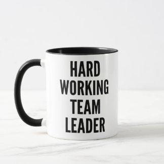 Meneur d'équipe travaillant dur