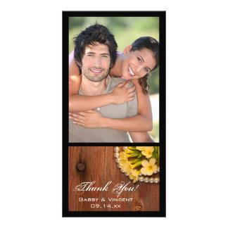 Merci en bois de pays de fleurs de grange jaune de photocartes