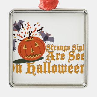 Merkwürdiger Anblick auf Halloween Quadratisches Silberfarbenes Ornament