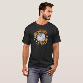 Metal T-Shirt oben ermitteln - grabendes Material