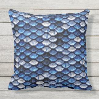 Metallisches Kobalt-Blau-Fisch-Skala-Muster Kissen