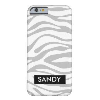 Metallisches Silber und weißes Zebra-Monogramm Barely There iPhone 6 Hülle