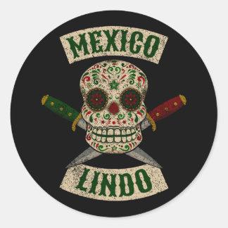 Mexiko Lindo. Mexikanischer Schädel mit den Runder Aufkleber