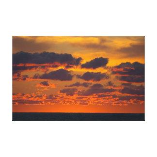 Michiganseesonnenuntergang, Ludington, Michigan Leinwanddrucke