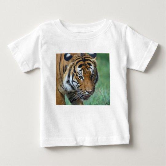 Mietmalaysische Tiger-Nahaufnahme Baby T-shirt