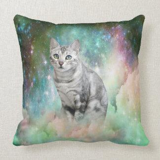 Miezekatze-Katze im Smaragdnebelfleck von Unschuld Kissen