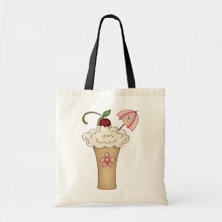 Milchshake mit einer Regenschirm-Taschen-Tasche Tragetasche