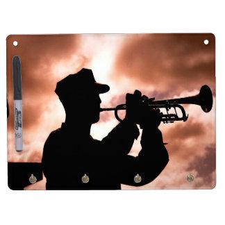 Militärsignalhorn-Junge Memo Boards