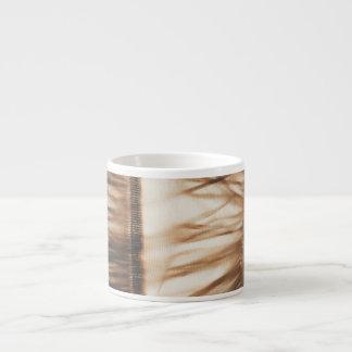 Minimaler schicker Gras-Rock Espressotasse