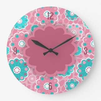 Mit Blumenabstraktes des Funky rosa Aqua Große Wanduhr