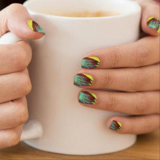 mit Federn versehene Fingernägel Minx Nagelkunst