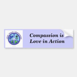 Mitleid ist Liebe im Aktions-Autoaufkleber
