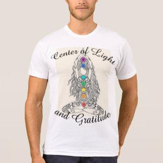 Mitte des Lichtes und des T-Shirts der