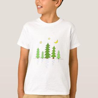 Mitternachtswald mit Baum-Sternen und Mond T-Shirt