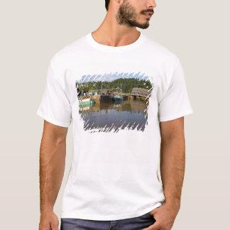 Mittlere Gezeiten bei Bay of Fundy in St Martins, T-Shirt