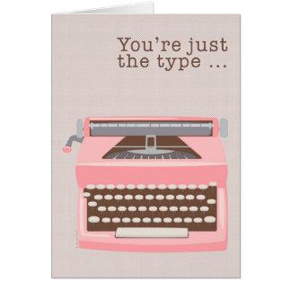 Mod-Retro rosa Schreibmaschineadmin-Protag Karte
