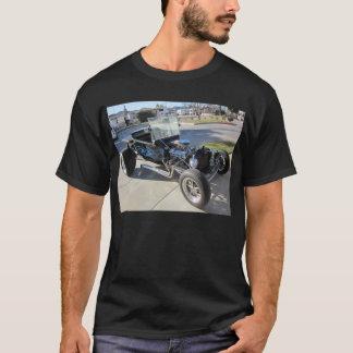 Modellieren Sie ein Hotrod T-Shirt