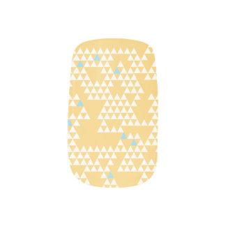 Moderne geometrische Dreiecke - Gelb - Nagel-Kunst Minx Nagelkunst