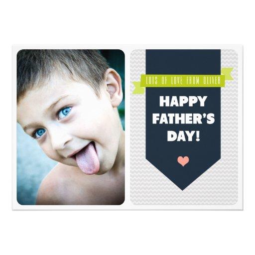 Moderne graue Zickzack der Vatertags-flache Karte Personalisierte Einladung