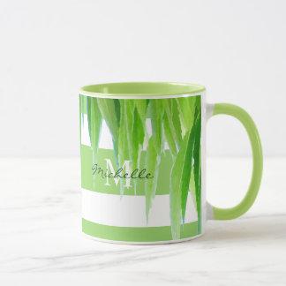 Moderne grüne weiße Streifen u. Blätter der Tasse
