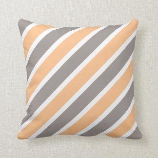 Moderne orange graue Diagonale Stripes Polyester Kissen