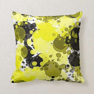 Moderner abstrakter gelber und schwarzer kissen