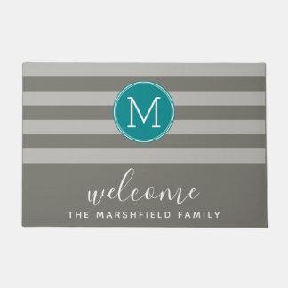 Moderner gestreiftes Muster-Familien-Willkommen Türmatte