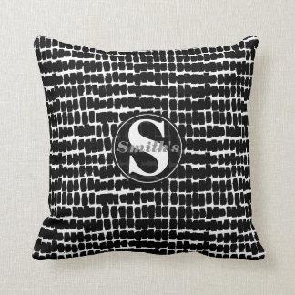 Modernes Monogramm-Schwarz-weißes abstraktes Kissen