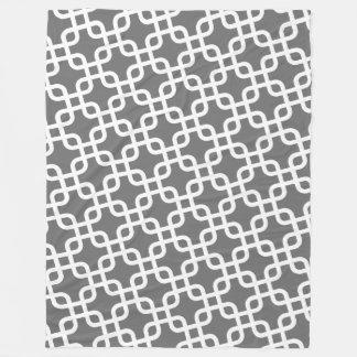Modernes Muster mit Grauem und weißem Fleecedecke