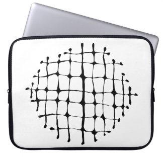 Modernes Schwarzweiss-Gitter-Explosions-Neopren Laptopschutzhülle