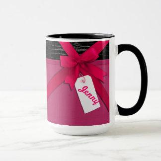 Modischer rosa Bogen auf schwarzem und rosa Leder Tasse